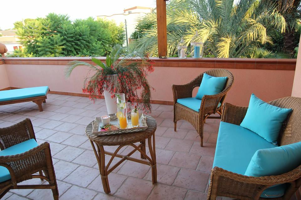 veranda con affaccio sul giardino tropicale